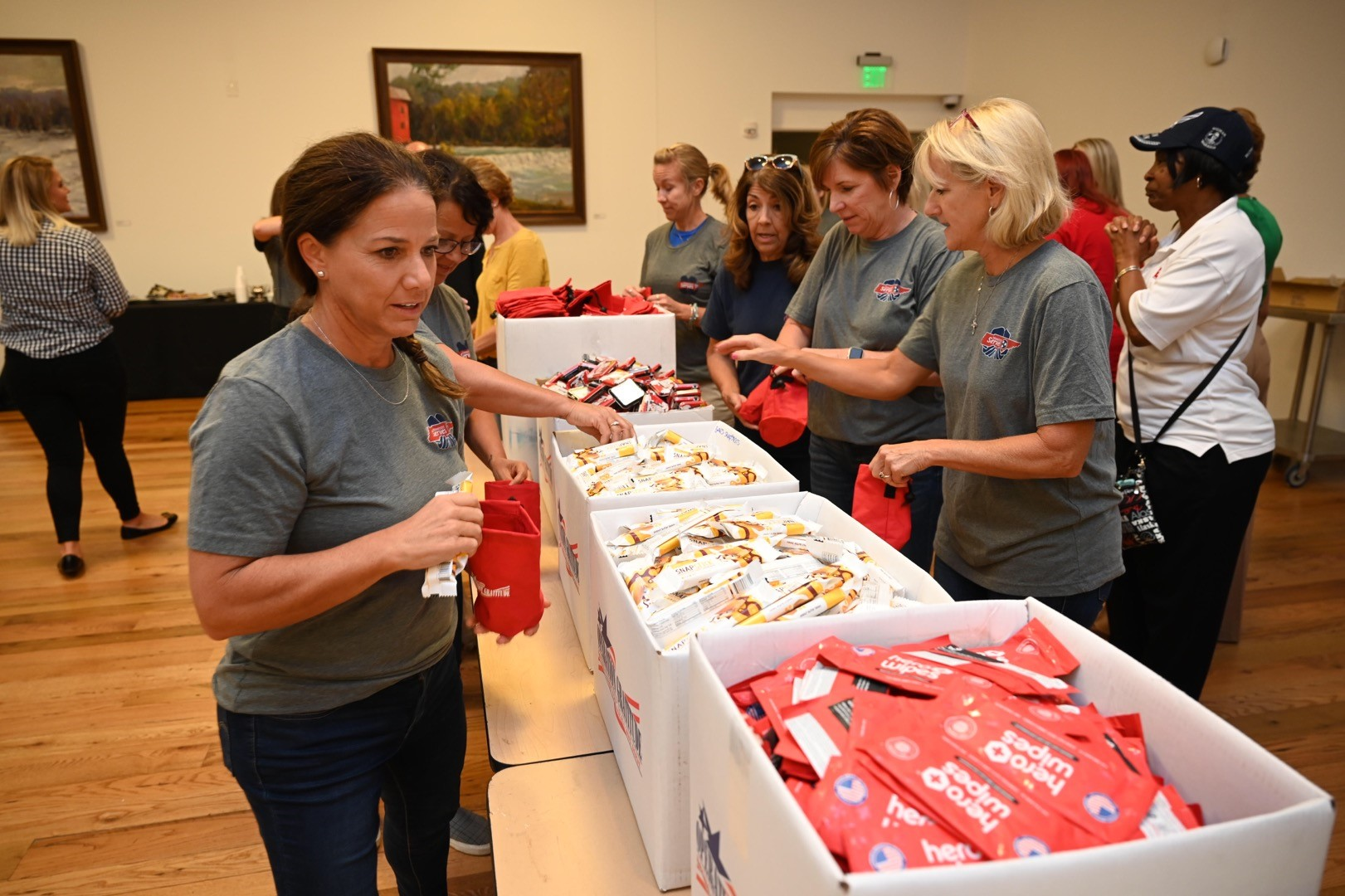 First Lady Maria makes care packages with Operation Gratitude