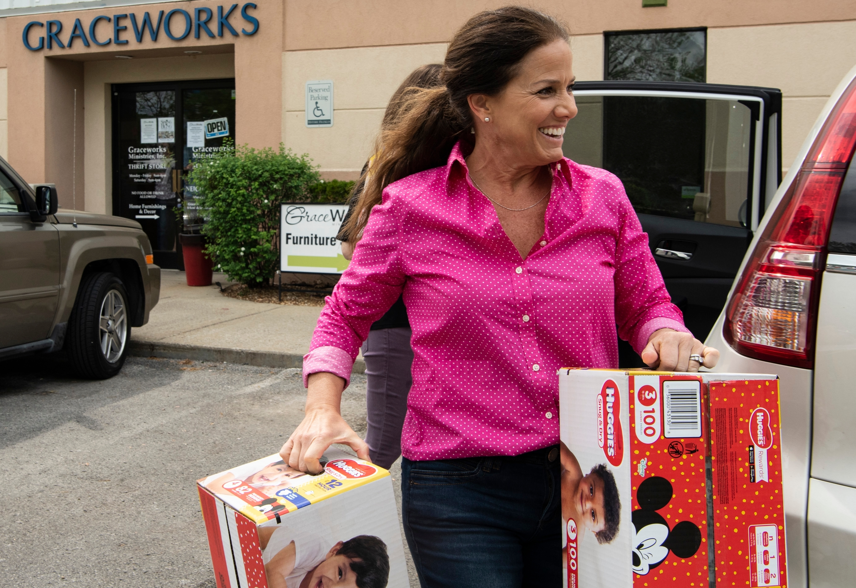 First Lady delivers items to GraceWorks Ministries