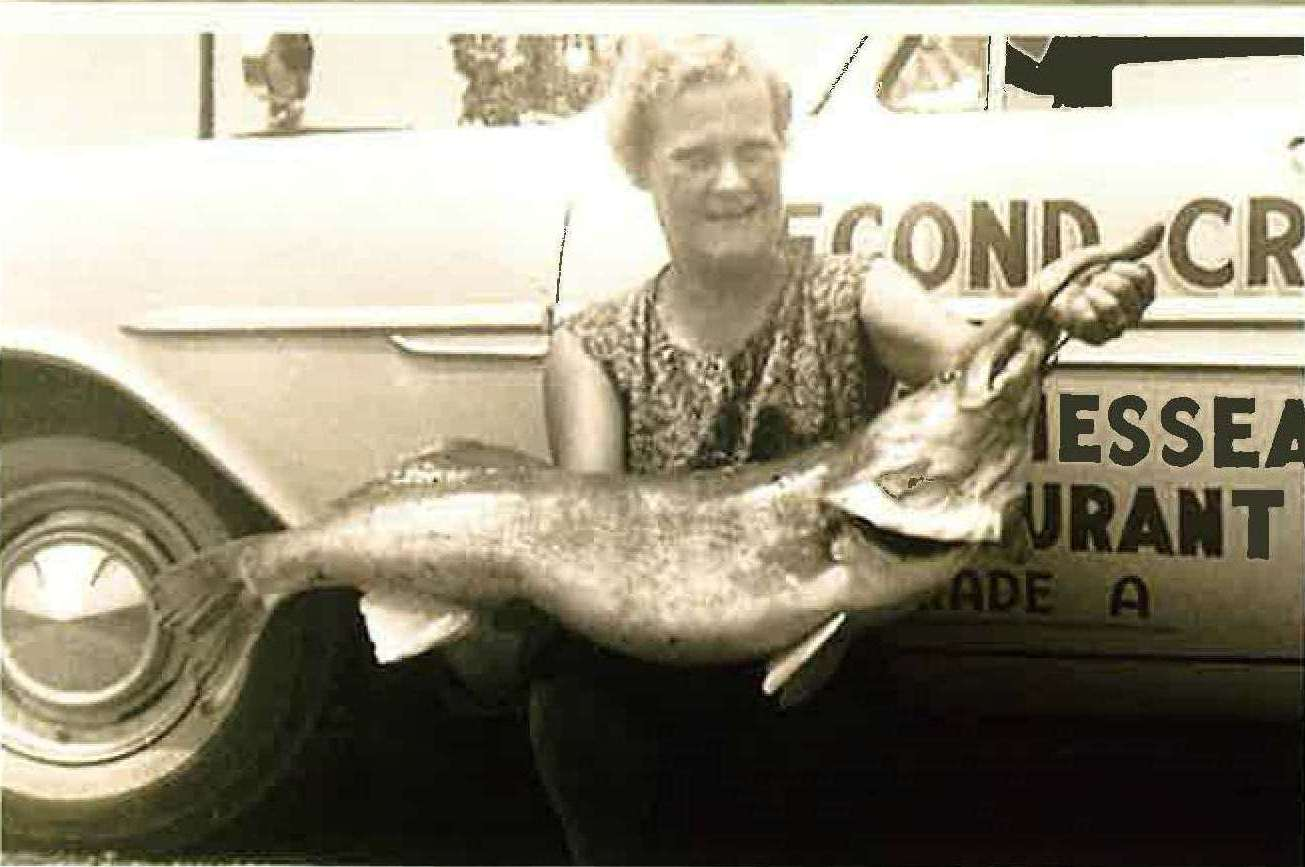 Mabry Harper Class A - 25 lb. Walleye (wife with fish)