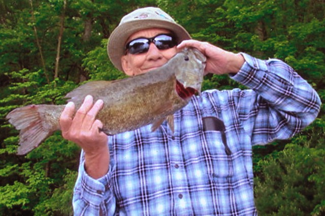 Alfred Childers 22 inch Smallmouth Bass