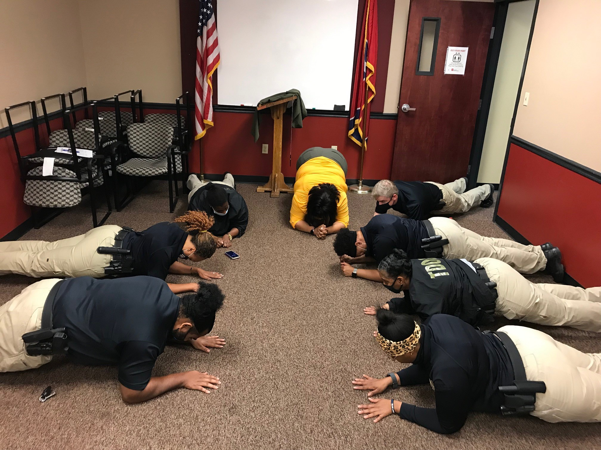 TDOC employees take on the Planksgiving Challenge!