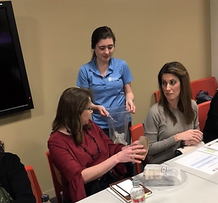 TDEC hosted a Food Journaling 101 Lunch 'n Learn at the TN Tower. Attendees learned how to food journal and discovered online and mobile food journaling apps.