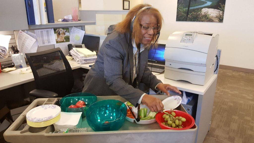 The Department of Human Services' Wellness Council packed two carts full of fruits and veggies. Then, they visited different floors so that all employees could enjoy a healthy afternoon snack.