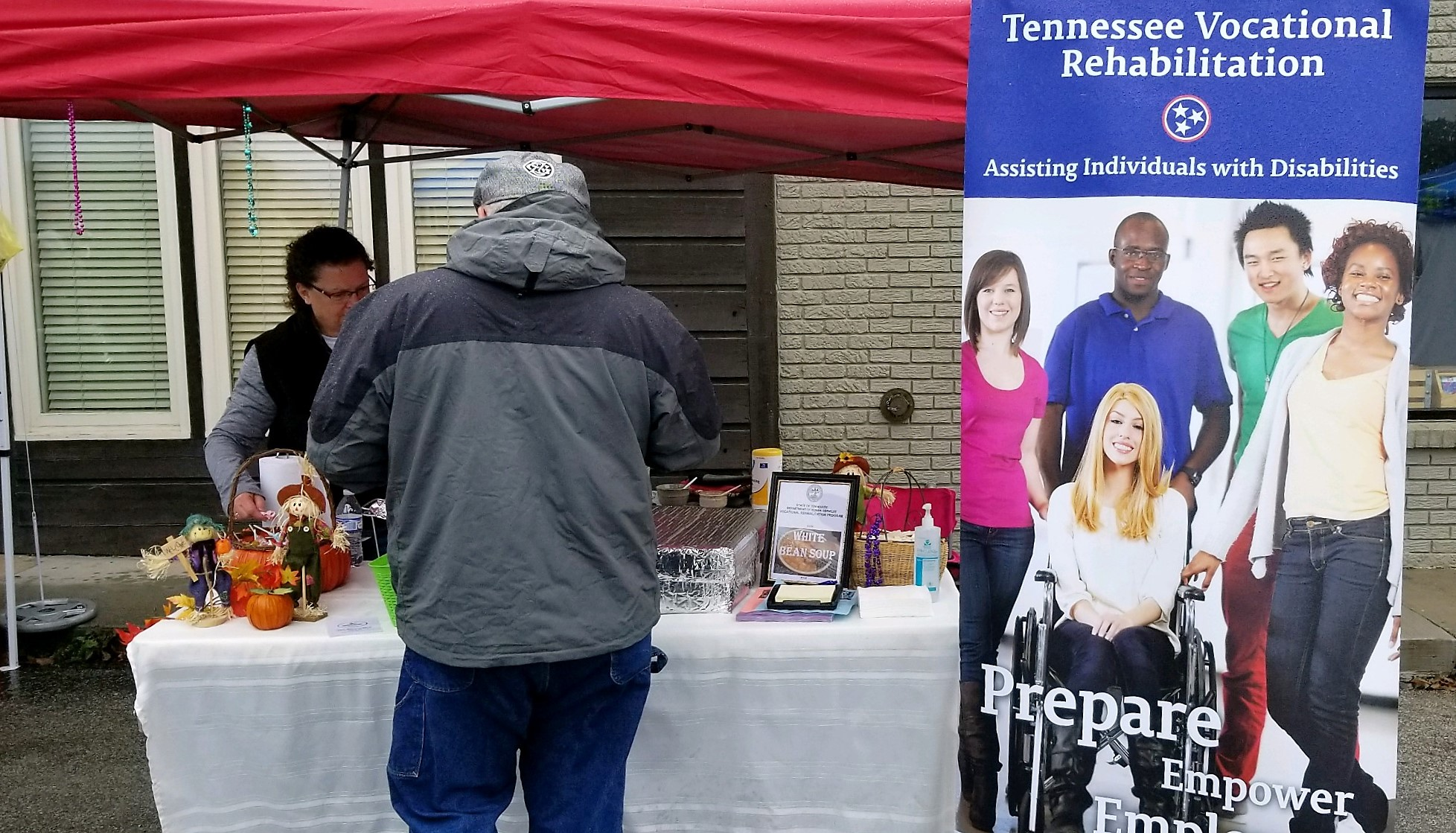 The Department of Human Services participated in Cooking on the Square in Cookeville. Health Ambassador, Jordan Herald, served up some healthy meals with Vocational Rehab.