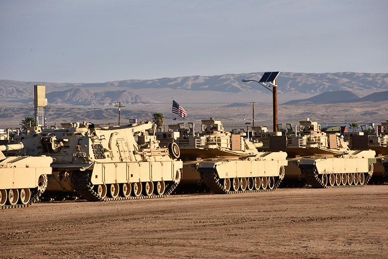 Tennessee Guard's 278th Armored Cavalry Regiment Tanks in the desert.