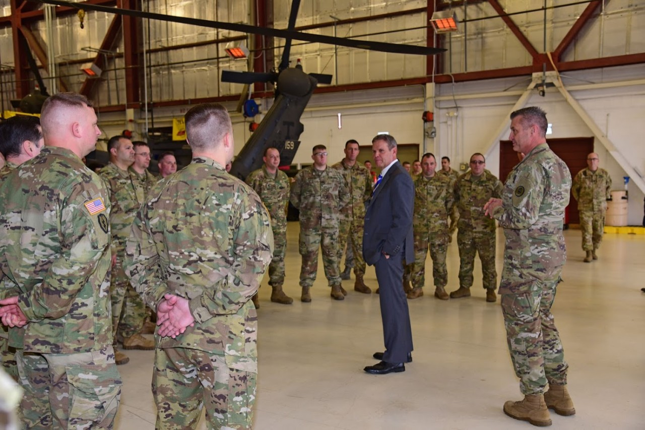 Governor Bill Lee speaking to Tennessee National Guard Soldiers