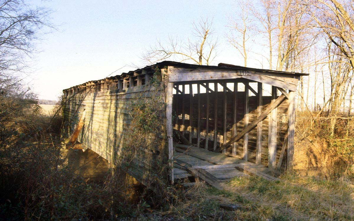 Parks Covered Bridge in Obion County